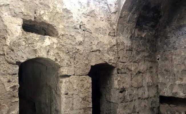 (Özel Haber) Bitlis Kalesi'nde Osmanlı dönemine ait mezar bulundu