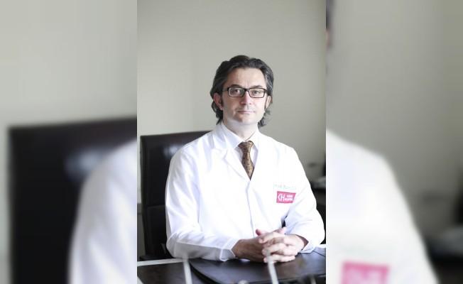 """Prof. Dr. Tunç Cevat Öğün: """"El bileğinde sinir sıkışması uyuşmayla kendini belli ediyor"""""""