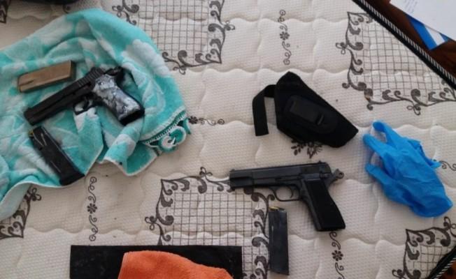 Samsun'da bir evde 2 adet tabanca ele geçti