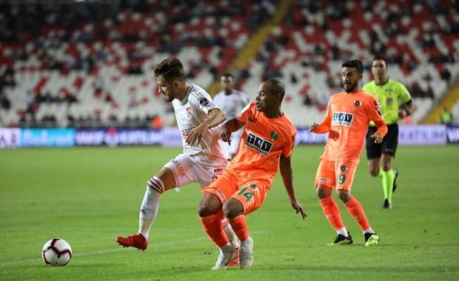 Spor Toto Süper Lig: Demir Grup Sivasspor: 1 - Aytemiz Alanyaspor: 0 (Maç sonucu)