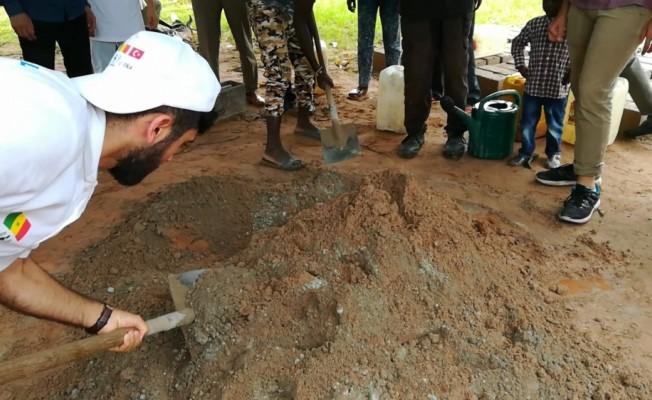 TİKA gönüllüleri Senegal'de okul inşaatında çalıştı