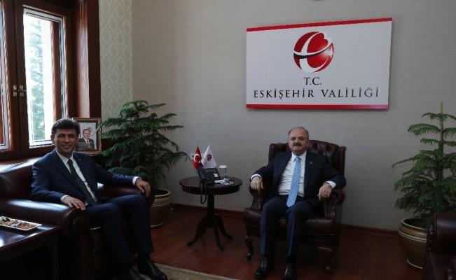 Vali Çakacak, AK Parti İl Başkanı Çalışkan'ı Kabul Etti