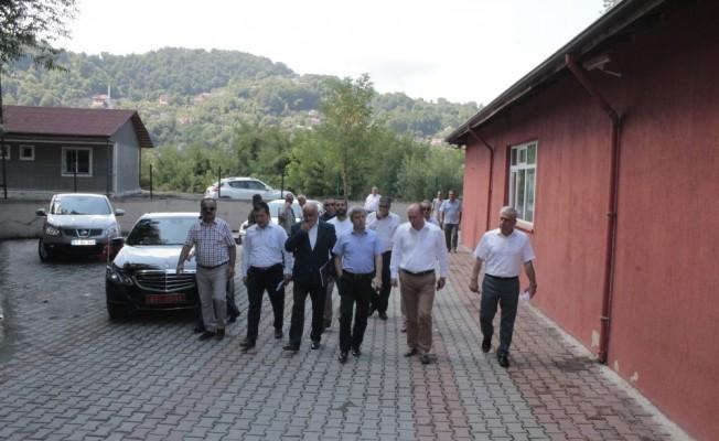 Vali Çınar,  Çınartepe Mahallesinde vatandaşlarla bir araya geldi