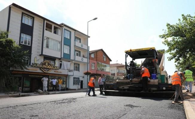 Yunus Emre Caddesi'nde asfalt çalışmaları devam ediyor