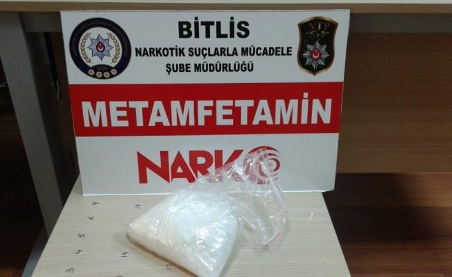 Bitlis'te yarım kilo metamfetamin ele geçirildi