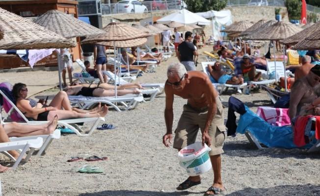 'Bodrum için 3 Dakika' plaj temizliği devam ediyor