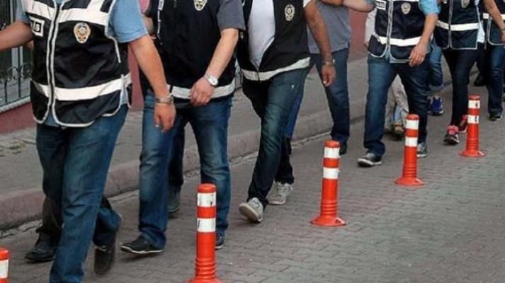 Bursa'daki FETÖ'nün hücre evlerine yönelik operasyon : 13 kişi tutuklandı