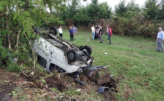 Direksiyon başında eşiyle tartışırken kaza yaptı: 5 yaralı
