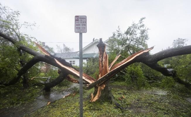 Florence Kasırgası 7 can aldı
