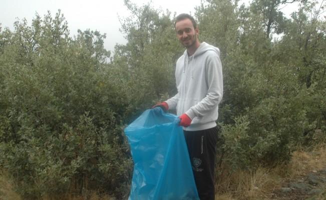 Gönüllü gençlerden Soğuksu Milli Parkı'nda temizlik