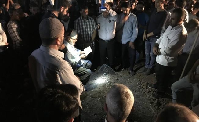 GÜNCELLEME - FETÖ'cü polislerce öldürüldüğü iddia edilen kişinin oğlu silahla vurulmuş halde bulundu