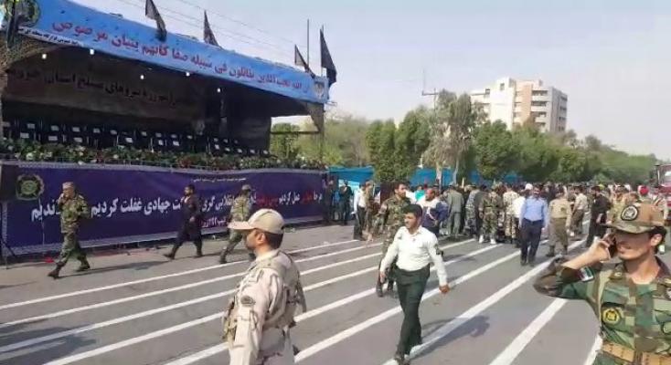 İran'da askeri geçiş töreninde terör saldırısı : 24 ölü, 53 yaralı