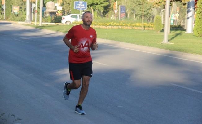 İyilik için koşan esnaf, 450 kilometreyi geride bıraktı