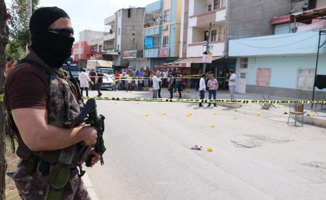 Kahvehanede torbacıların silahlı kavgası: 2 ölü, 2 yaralı