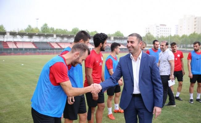 Karaköprü Belediyespor yönetiminden moral ziyareti