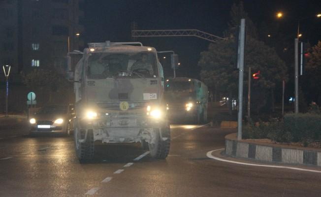 Kilis'e askeri sevkıyat sürüyor