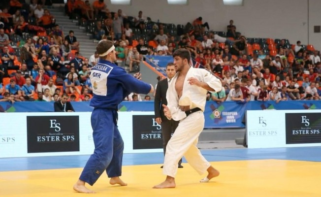 Manisa Büyükşehir'in judocusu Şişmanlar Avrupa 2'ncisi oldu