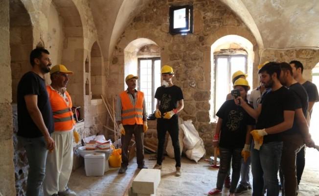 Mardin'de üniversite öğrencilerine restorasyon eğitimi