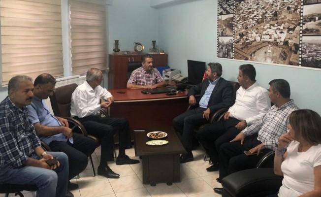 Milletvekilleri kent konseyi yönetimi ile bir araya geldi