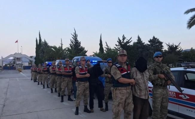 Jandarma ve MİT'ten büyük operasyon.. 9 terörist Türkiye'ye getirildi.