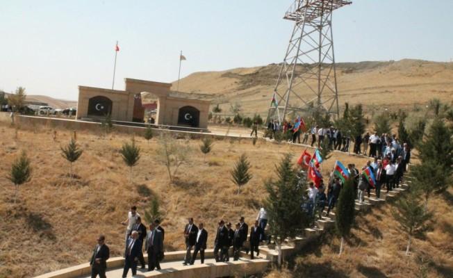 MÜSİAD'dan Azerbaycan'daki Türk şehitlerine vefa