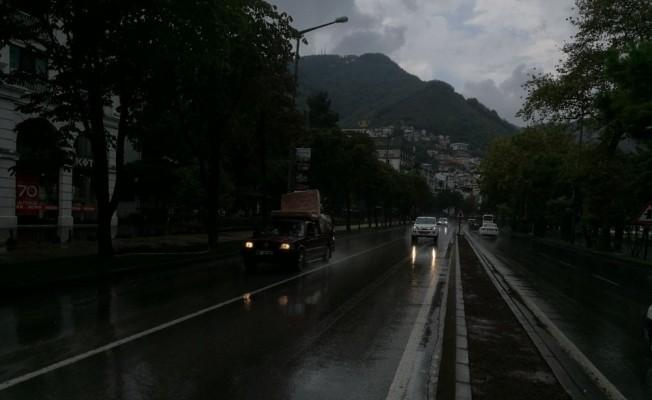 Ordu, yağmur öncesi karanlığa büründü