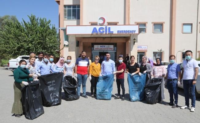 Silopililer çöp toplayarak, çevre temizliğine dikkat çekti