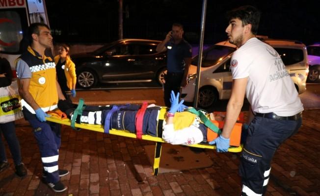 Şişli'de hasta taşıyan ambulans kaza yaptı; 6 yaralı