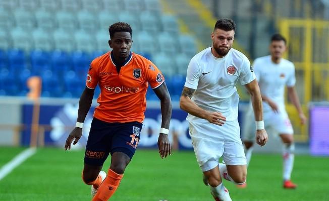 Spor Toto Süper Lig: Medipol Başakşehir: 4 - Antalyaspor: 0 (Maç sonucu)