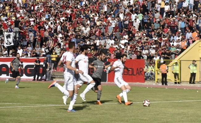 TFF 2. Lig: UTAŞ Uşakspor:3 - Manisaspor:0