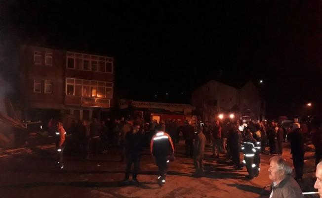 Trabzon'da marangoz dükkanında yangın