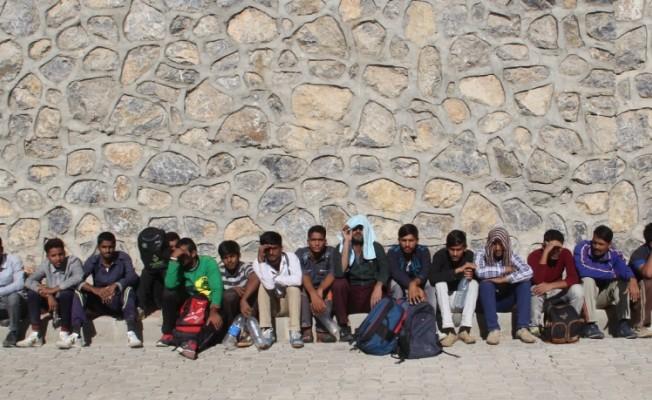 Van'da 42 düzensiz göçmen yakalandı