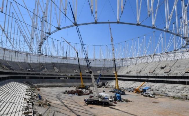 Yeni stadın inşaatı sürüyor