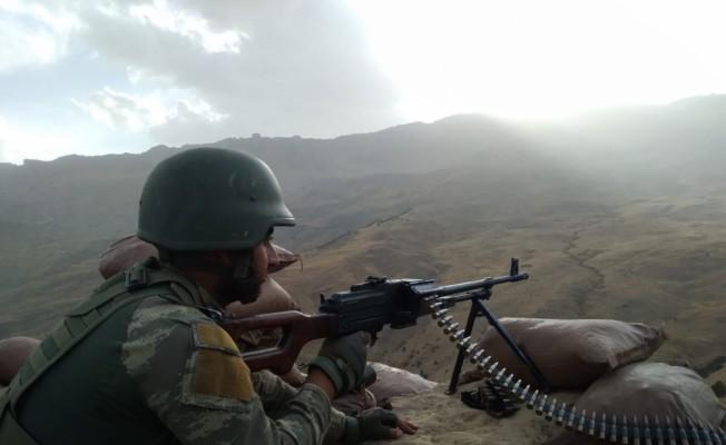 2047 rakımlı Herekol Dağı'nda, terörle mücadele ediyorlar