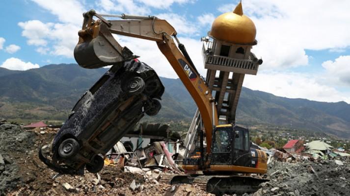 Deprem felaketinde can kaybı 1944'e çıktı!