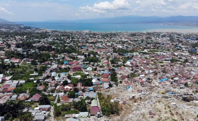 İHH, Endonezya'daki felaketi havadan görüntüledi
