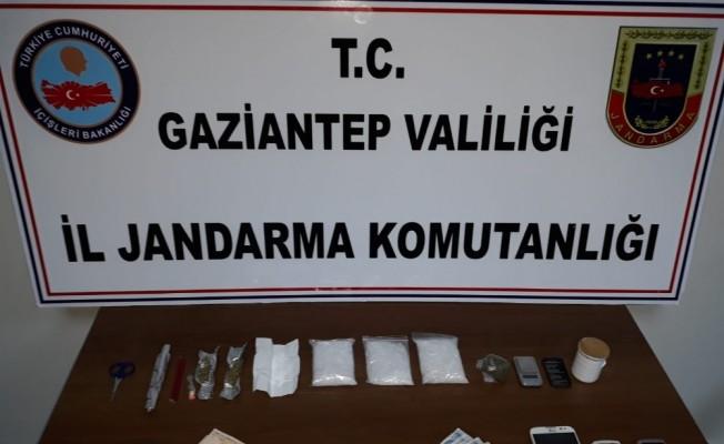 Jandarma'nın dur ihtarına uymayan araçtan uyuşturucu çıktı