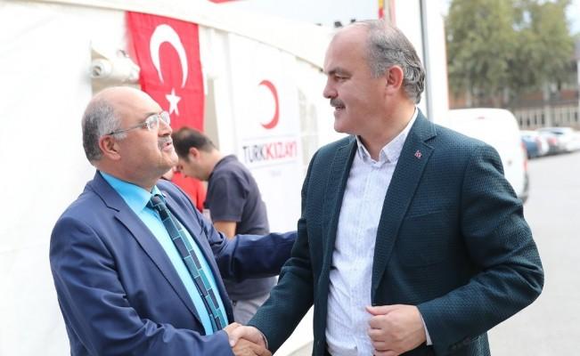 Pamukkale Belediyesi'nden Kızılay'a destek