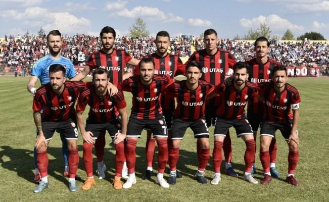 UTAŞ Uşakspor evinde lideri ağırlıyor