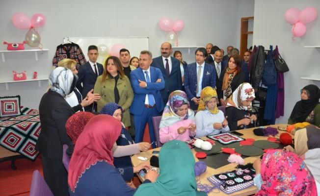 Vali Elban Aile Destek ve Eğitim Merkezi'nin açılışını yaptı