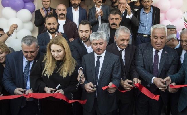Yardımsever iş adamı Erkan Koçali memleketinde kızlar için yurt yaptırdı