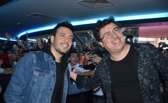"""""""Yol Arkadaşım 2"""" galası Bursa'da izdihama neden oldu"""