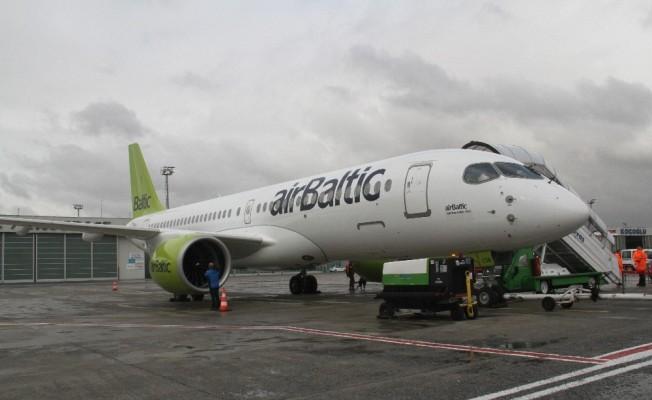 Airbus yeni uçağını tanıttı