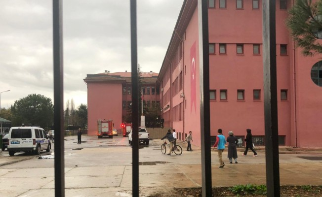 Bursa'da ortaokulda yangın