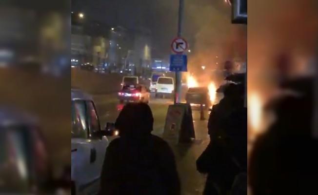 Bursa'da seyir halindeki otomobil alev aldı