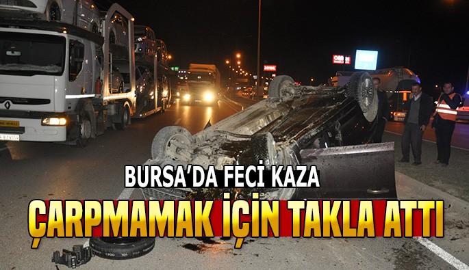 Bursa'da yoldaki köpek leşine çarpmamak için takla attı