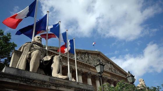 Fransız milletvekilleri maaşlarını yetersiz buluyor