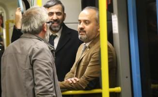 Başkan Aktaş metroda vatandaşları dinledi
