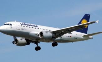 Yolcu kalp krizi geçirdi uçak acil iniş yaptı