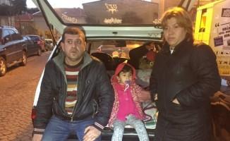 5 kişilik aile arabada yaşıyor